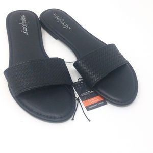 West Loop Slides size Small 5/6